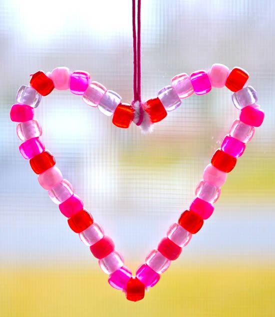 Como fazer coração artesanal com limpadores de cachimbo