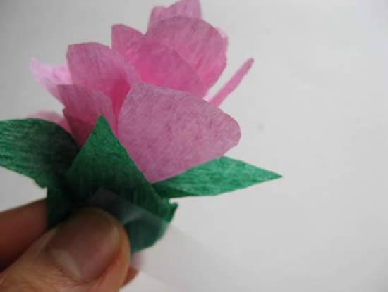 Florzinha de papel crepom passo a passo