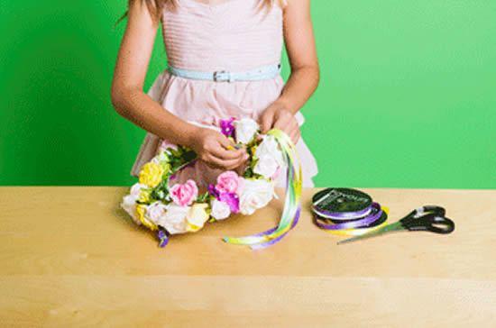 Como fazer uma linda tiara de flores