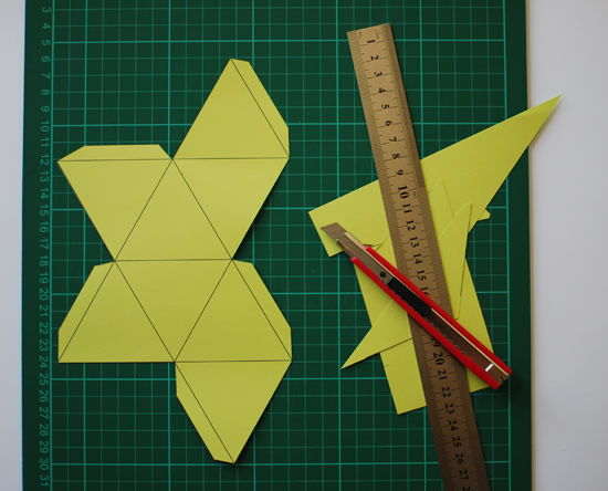 Passo a passo de cubo de origami de papel