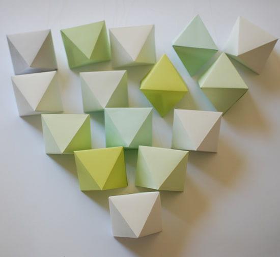 Passo a passo de cubos de origami para fazer móbile para a sala