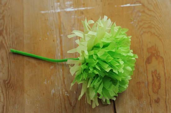 Passo a passo de flor de papel de seda