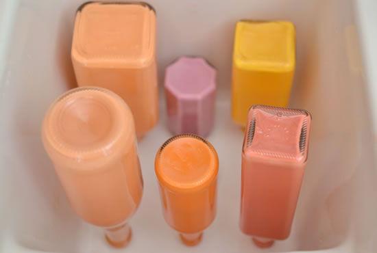 Decoração para a casa com garrafas coloridas