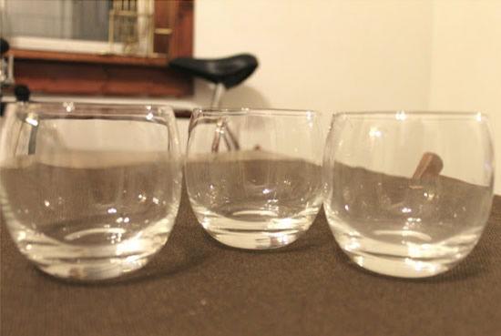 Criando vasos de vidro decorados com pincel e tinta