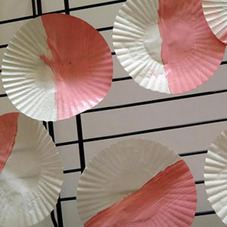Como criar artesanato com forminhas de papel