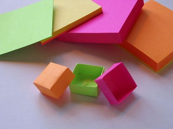 Como fazer uma caixinha colorida passo a passo