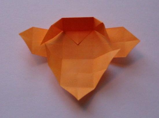 Como fazer uma caixa colorida de papel com origami