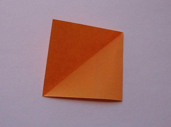 Criando uma caixinha em origami passo a passo