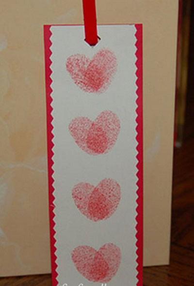 Marcador de livro com coração passo a passo