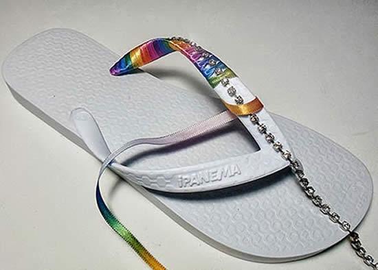 Passo a passo de sandália colorida decorada