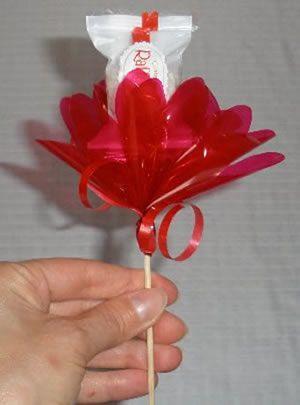 Flor com chocolate para decoração de festas
