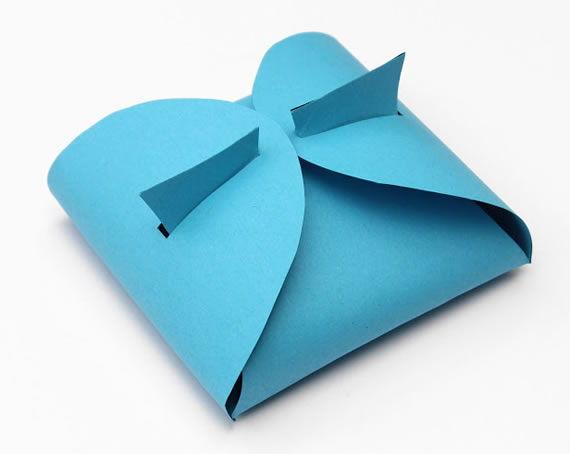 Caixa feita com papel cartão passo a passo
