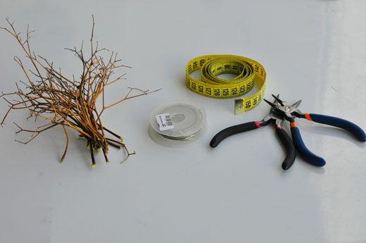Materiais para fazer a tiarinha de flores