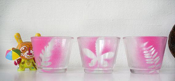 Customize potinhos de vidro com tinta spray