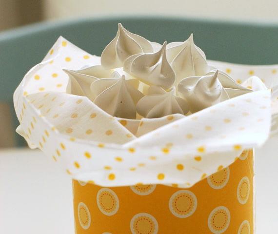 Suspiros dentro do pote de doces - Lembrancinha para Chá de Bebê