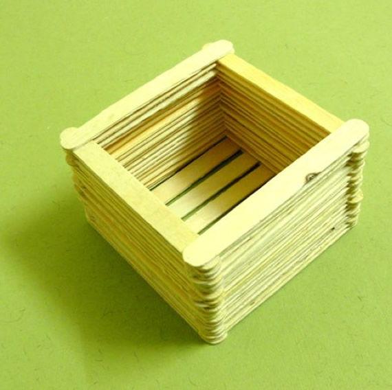 Caixinha artesanal de palitos de picolé