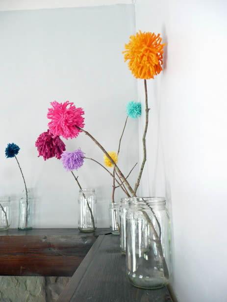 Decoração com pompons coloridos passo a passo
