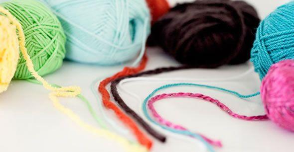 Escolha as cores dos fios de lã