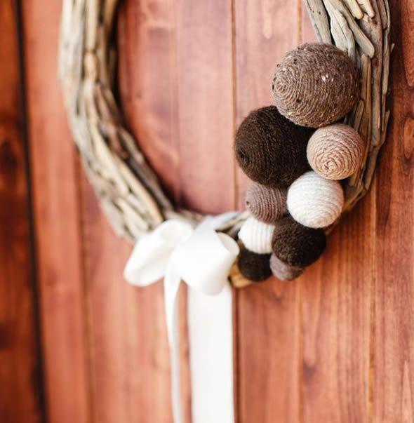 Guirlanda de Natal com bolas customizadas