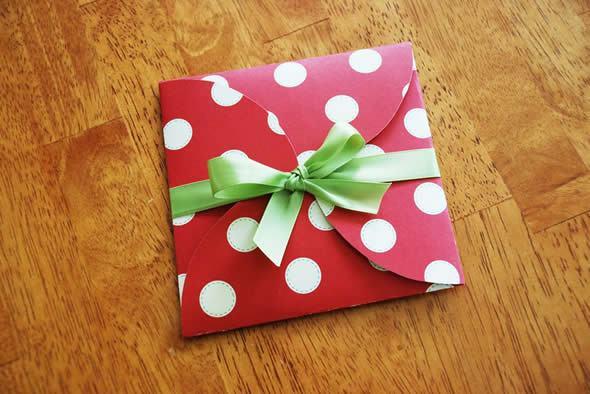 Como fazer uma linda caixinha de presente para Cartão de Natal