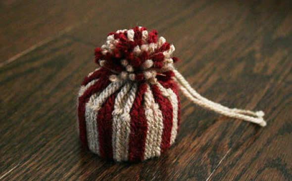 Gorrinho de Natal pronto para enfeitar a árvore