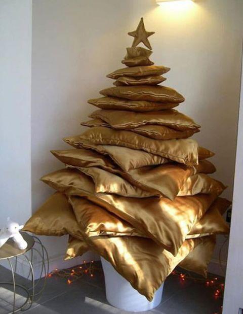 Árvore de Natal com almofadas