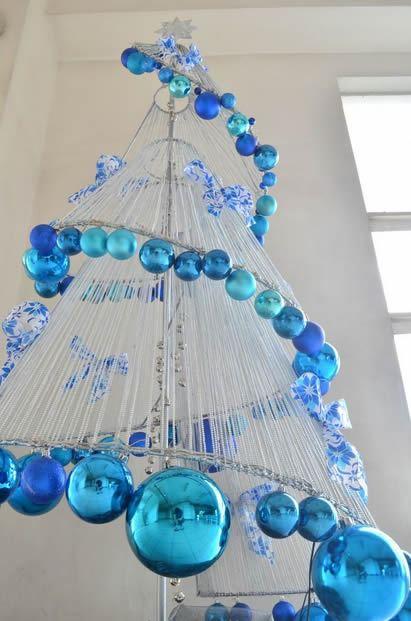 decoracao de arvore de natal azul e prata:Árvore de Natal criativa na cor azul para o Signo de Libra
