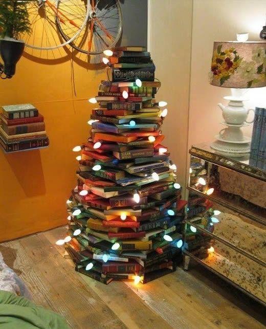 Árvore de Natal com livros super criativa