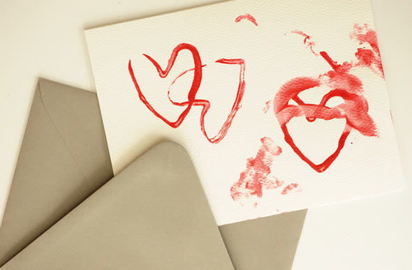 Cartão artesanal com corações