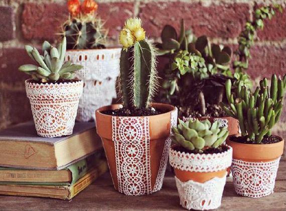 Decoração com jarros para o jardim