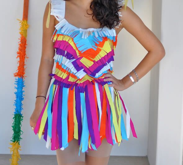 fantasia-colorida-com-papel-crepom-para-o-carnaval-9