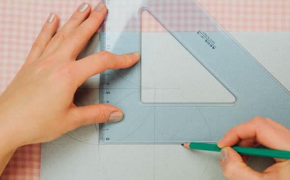 Desenhando os vincos da caixinha de papel