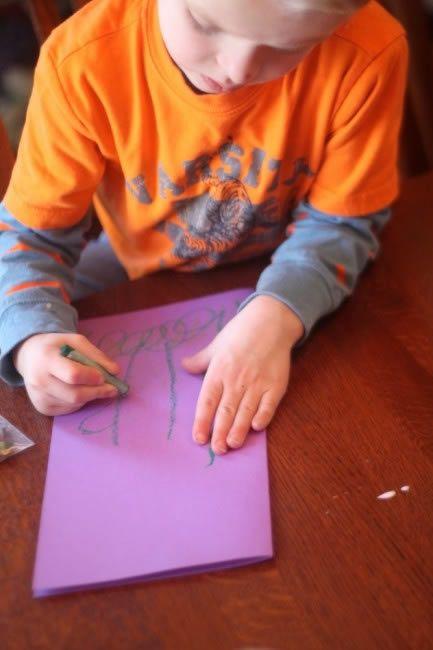 Veja como fazer um lindo cartão para a mamãe