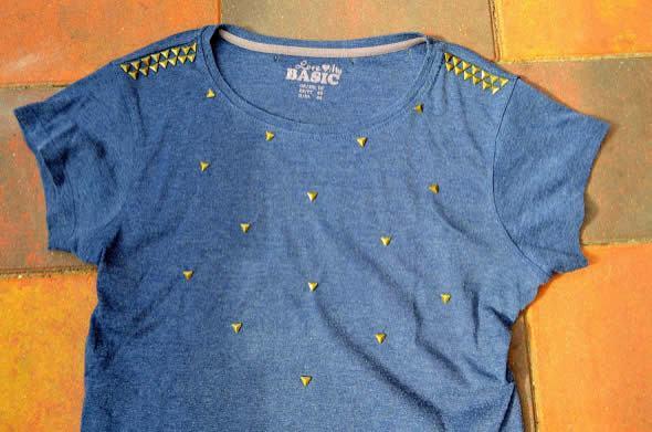 Tachinhas na camisa personalizada