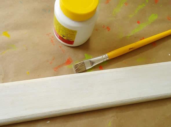 Trabalho artesanal com madeira