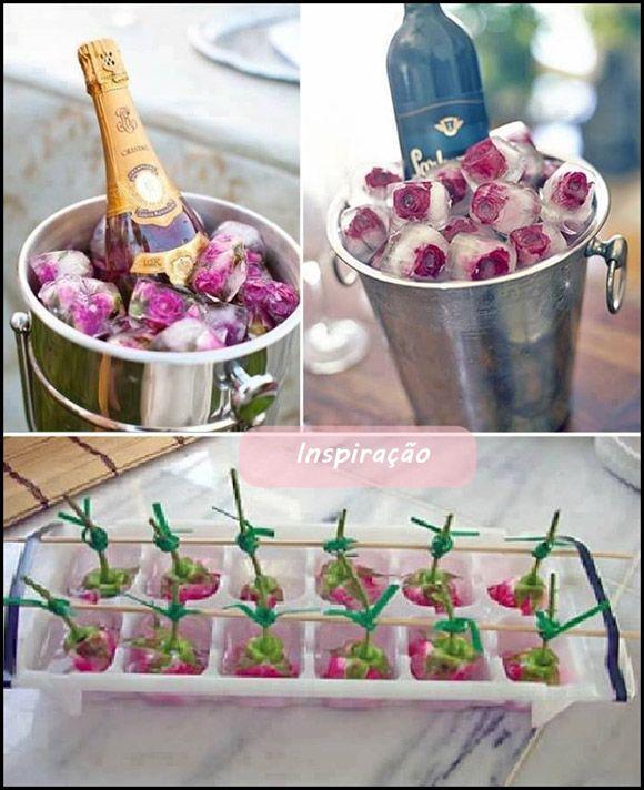 fabricação do gelo com rosas congeladas