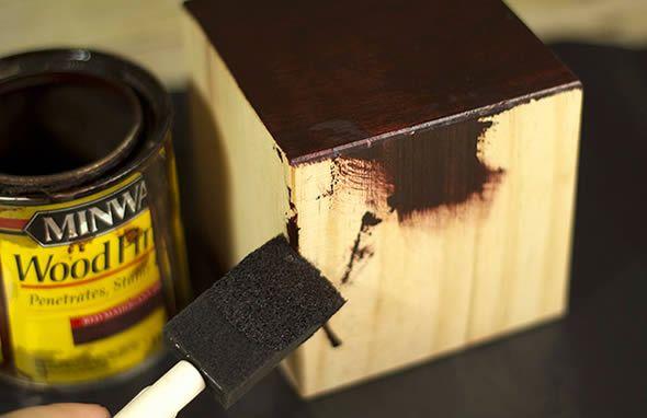 Pintando o cubo de madeira