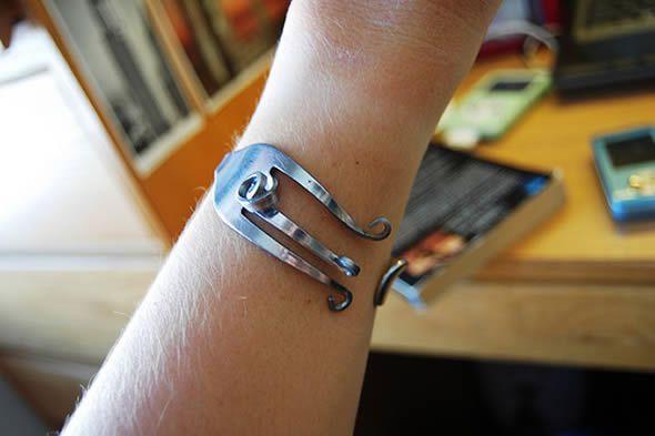 Bracelete de garfo passo a passo