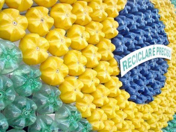 decoracao_com_fundos_de_garrafa_pet_recicladas-1m6