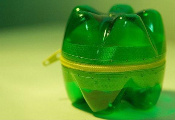 decoracao_com_fundos_de_garrafa_pet_recicladas-xra