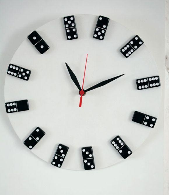 Como fazer rel gio com domin reciclado passo a passo - Relojes para decorar paredes ...