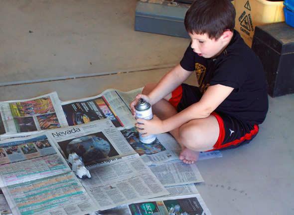 Artesanato com caixa de ovos e tinta-spray passo a apssso