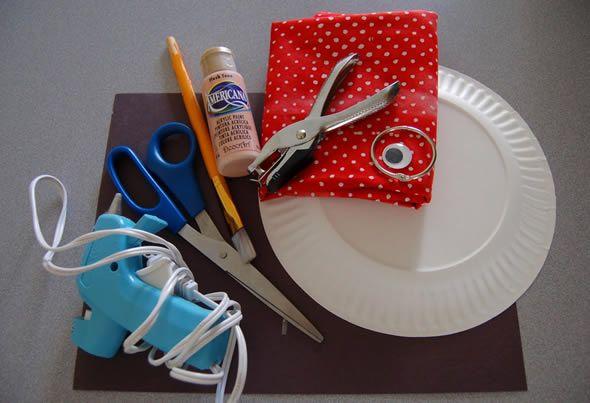 Materiais para artesanato com papelão