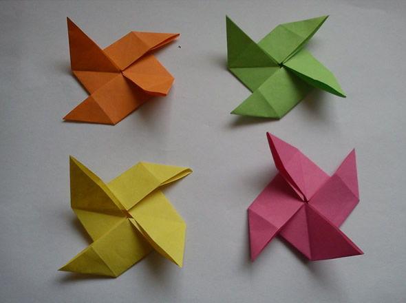 Lindos cataventos coloridos com papel