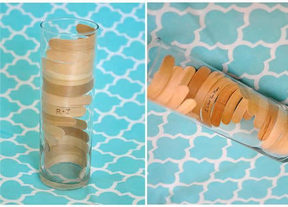 Artesanato com pote de vidro e palitos de picolé