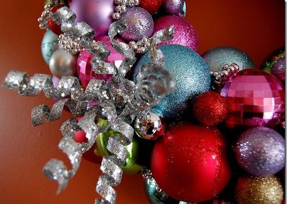 Guirlanda com Bolas de Natal