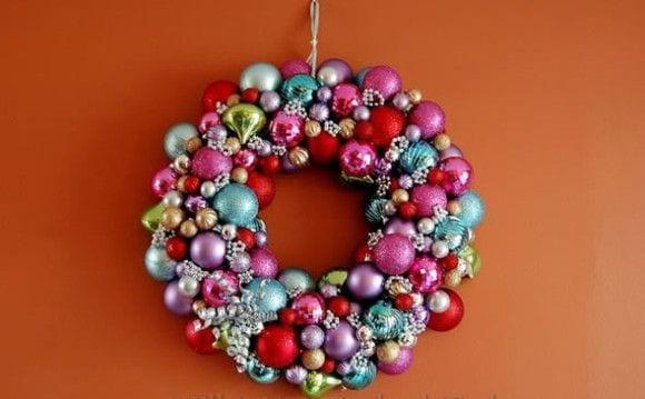 artesanatos para Natal guirlanda com bolinhas