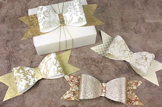 Como fazer laços de papel para presente com moldes