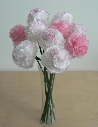 Como fazer arranjo de flores com papel de seda