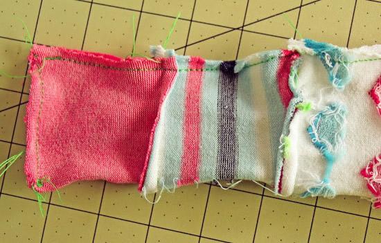 Bichinho de pelúcia feito de meias